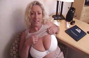 La video xxx ado milf Layna Landry surprend Cadence en train de sucer une bite