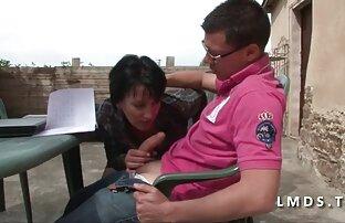 Brunette maigre de 18 video gay gratuite arabe ans baisée par papa