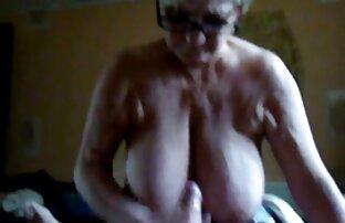 Kimber Lee joue dur avec sa films porno en ligne petite chatte humide