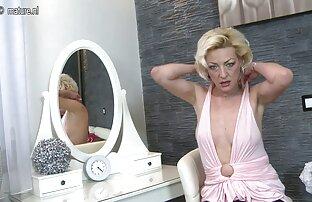 Lisa Ann films pornos xxx gratuits et Keisha Grey chez Mommy's Girl
