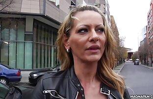 Belle xxx femme ronde fille allemande devient coquine dans Babestation24 Peepshow
